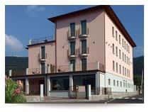 International Hotel - Hotel con piscina e area relax a Iseo (Lombardia)