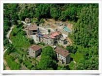 Agriturismo Pian di Fiume - Camere e ristorante in agriturismo, con piscina, a Pieve di Controne / Bagni di Lucca (Toscana)