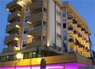 Hotel Montmartre - Seafront hotel, spa, and swimming pool, in Torre Pedrera / Rimini (Emilia Romagna)