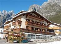 Albergo Ristorante Cacciatori - Hotel & Ristorante a Auronzo di Cadore (Veneto)