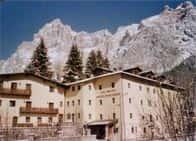 Casa Montana S. Maddalena di Canossa - Casa per Ferie, con ristorante in  - San Vito di Cadore -  (BL) - Veneto