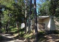 Camping Pineta - Campeggio con bungalow, piscina e ristorante a Il Caldese / Urbino (Marche)
