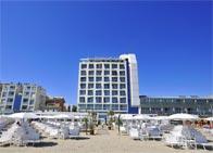 Hotel Excelsior - Luxury Hotel, fronte mare con piscina, centro benessere, spiaggia privata e ristorante, a <span class=&#39;notranslate&#39;>Pesaro</span> (Marche)