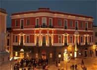 Hotel Regina d'Arborea - Hotel in palazzo storico-monumentale - Ristorante, a Oristano