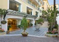 Grand Hotel La Favorita - Luxury Hotel vicino al mare, con piscina - Ristorante, a Sorrento (Campania)