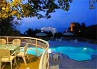Camping Nube D'Argento - International Camping com bungalow, piscina e ristorante, a Sorrento (Campania)