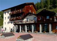 Hotel Lion Noir - Hotel, con piscina e ristorante a Pila / Gressan (Italia)