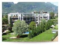 Ambassador Suite Hotel - Hotel & Residence, con piscina, a Riva del Garda (Veneto)