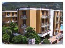 Hotel Villa Giuliana - Hotel con ristorante, e piscina all'aperto stagionale in  - Riva del Garda -  (TN) - Trentino-Alto Adige
