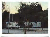 Futura Lago Parking - Area attrezzata di sosta camper Le Mimose, a Bracciano (Lazio)