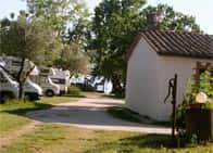 Area Sosta Camper Il Guadetto - Area attrezzata fronte lago in  - Bolsena -  (VT) - Lazio