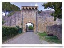 Porta delle Fonti -  a San Gimignano (Toscana)