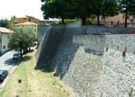 Mura di Cinta - , a Montescudo / Montescudo-Monte Colombo (Emilia Romagna)