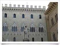 Piazza Salimbeni -  a Siena