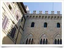 Palazzo Salimbeni - Banca Monte dei Paschi di Siena -  a Siena