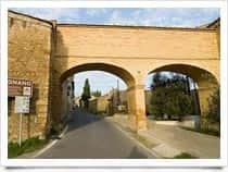 Porta San Jacopo -  a San Gimignano (Toscana)