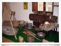 Museo Etno-Antropologico e dell'Emigrazione Valguarnerese - , a Valguarnera Caropepe