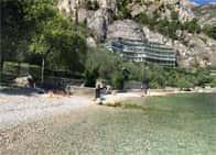 Spiaggia Grostol - Lido di balneazione, a <span class=&#39;notranslate&#39;>Limone sul Garda</span> (Lombardia)