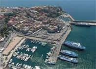 Porto di Pozzuoli - Terminal traghetti - Porticciolo turistico a Pozzuoli (Campania)