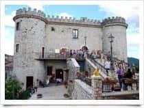 Castello di Oricola - sede del Comune a Oricola (Abruzzo)