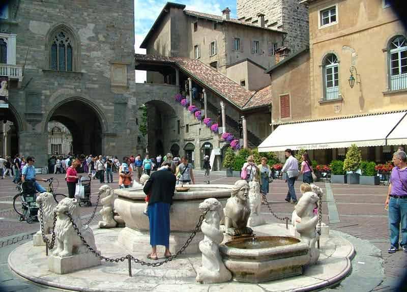 Photo Piazza Vecchia - Città Alta Bergamo