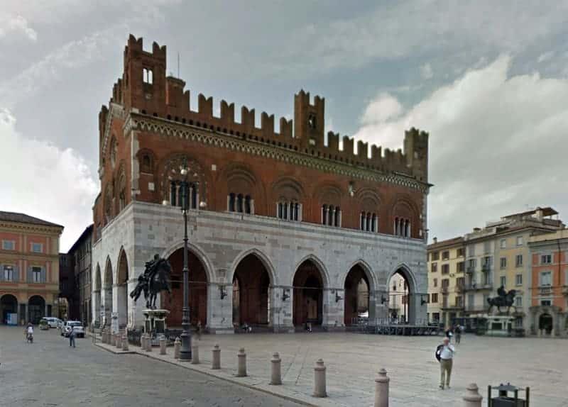 Photo Palazzo Gotico - Piacenza