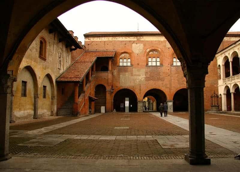 Photo Monumental Complex of Broletto - Novara