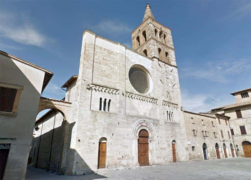 Photo Abbey Church of San Michele Arcangelo - Bevagna