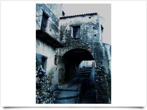Comuni confinanti con STAITI   Calabria